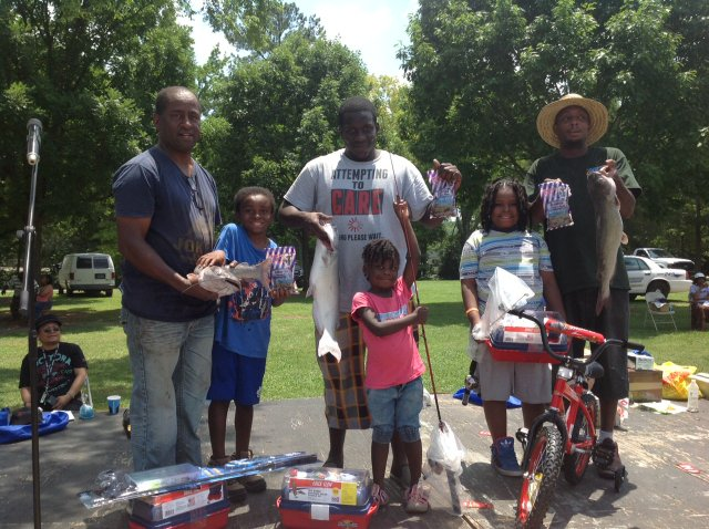 Family Fishing Rodeo Stage 2015.jpg