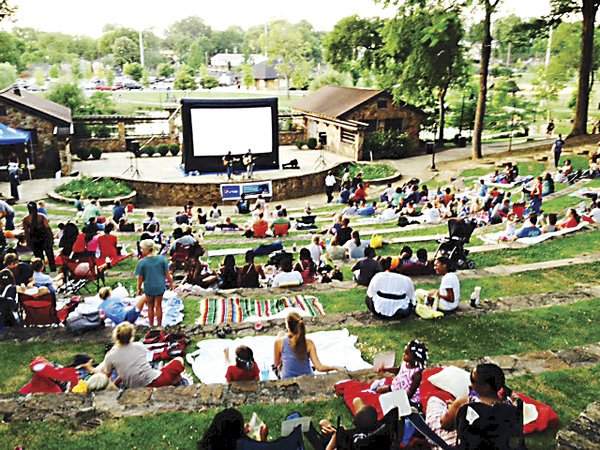 ICI-COMM---Forest-Park---Movies-in-the-Park1.jpg