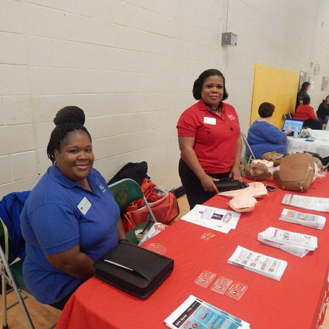 Nurses Tanisha Leonard (L) & Cherrelle Irvin (R) East Thomas health fair 3-4-17.JPG