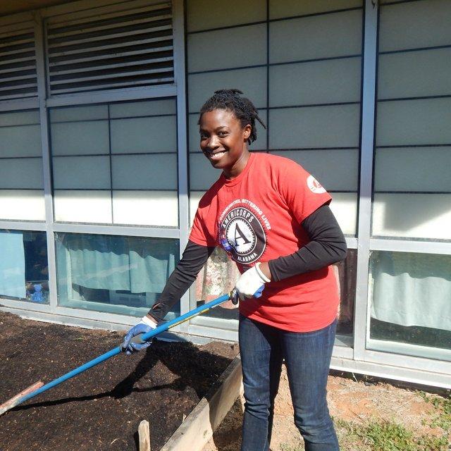 volunteer Candice Powers_Wilkerson Middle School garden 3-4-17.JPG