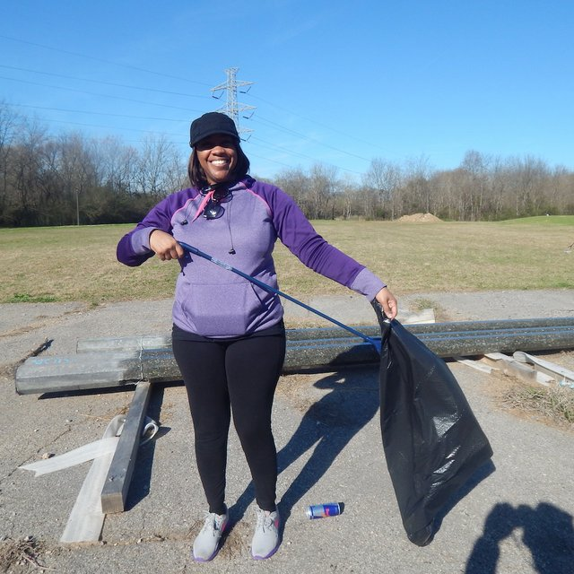 volunteer Latoya Lee_South Pratt 3-4-17.JPG