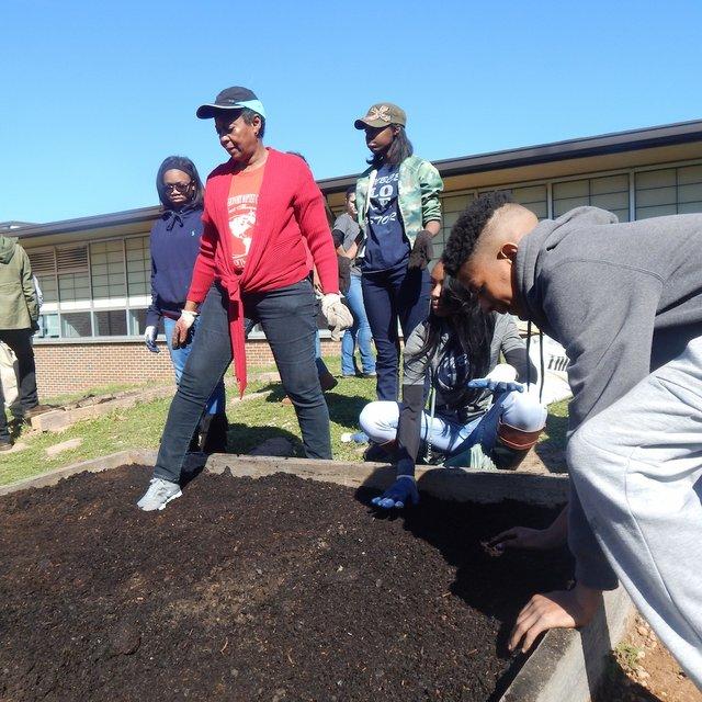 Wilkerson Middle School garden planting_3 3-4-17.JPG
