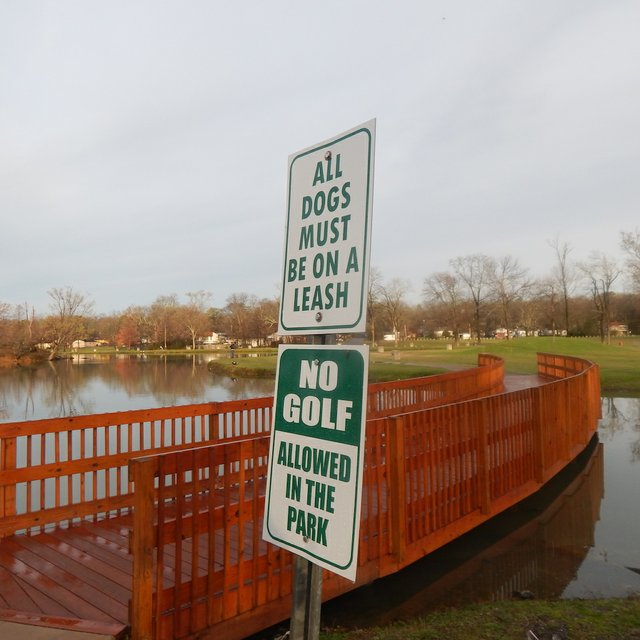 east lake park dog sign 3-10-17.JPG