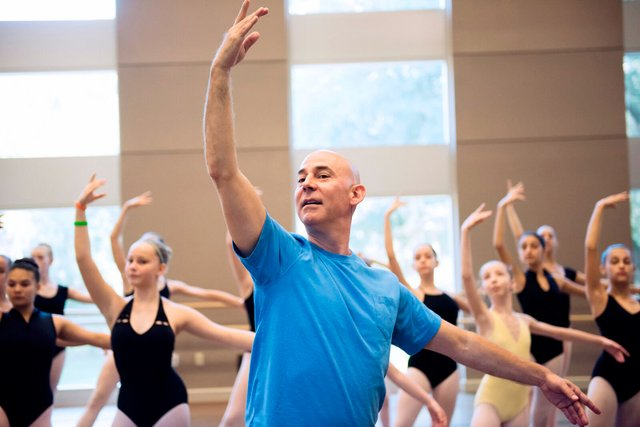 ICI-HAPPS-Wes-Chapman-teaching-for-Florida-Dance-Association-at-Santa-Fe-College-in-Gainesville,-Florida.-Photo-by-Suzanna-Mars..jpg