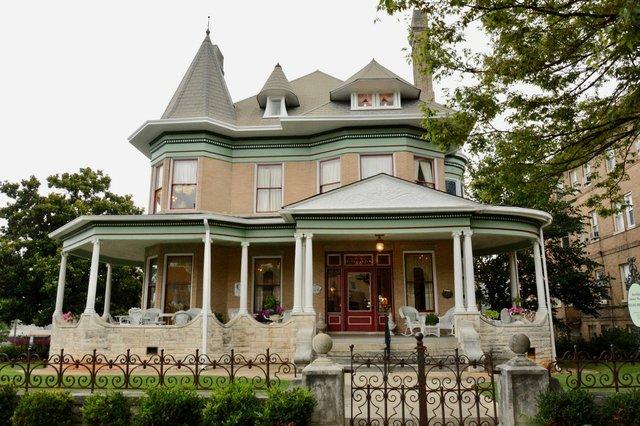 mansion - 1.jpg