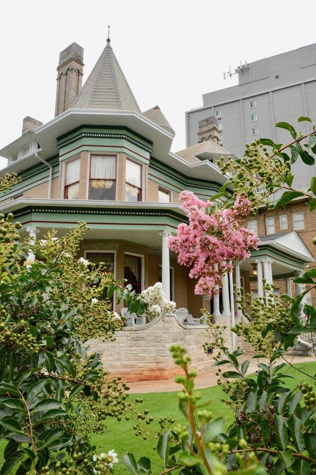 mansion - 2.jpg