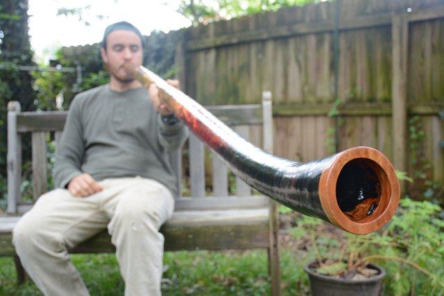 ICI-BIZARRE-Didgeridoo-Guy1.jpg