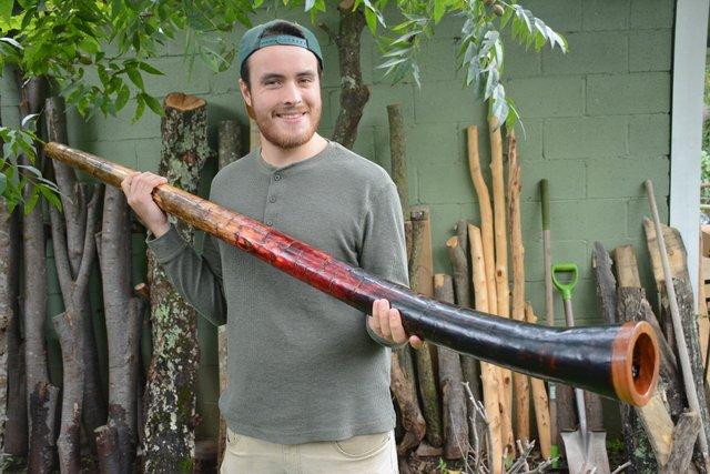 ICI-BIZARRE-Didgeridoo-Guy3.jpg