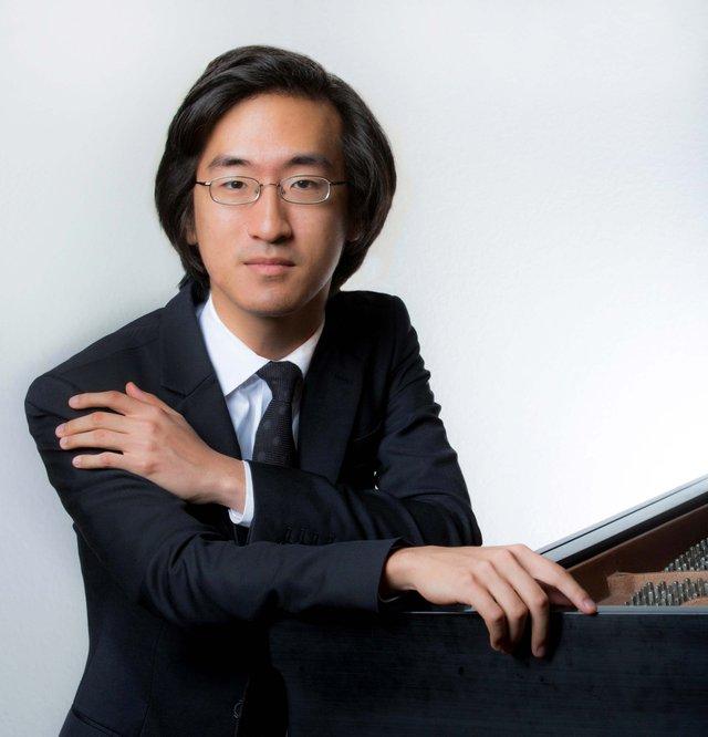 Pianist Sahun Hong 2018