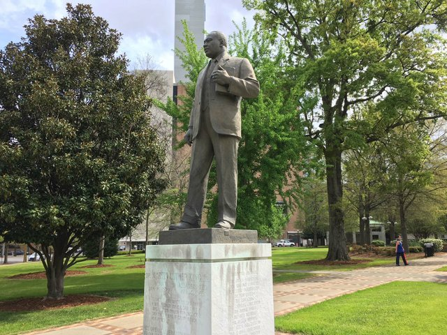 MLK statue Kelly Ingram Park