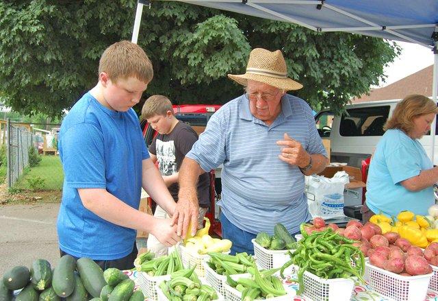 NOTW---East-Lake-Farmers-Market_2.jpg