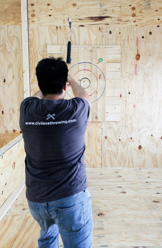 BIZARRE-Civil-Axe-Throwing_SNF_9840.jpg