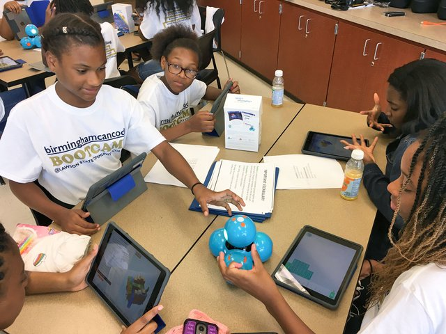 Lawson-State-coding-bootcamp_middle-school_6-27-18_3.jpg