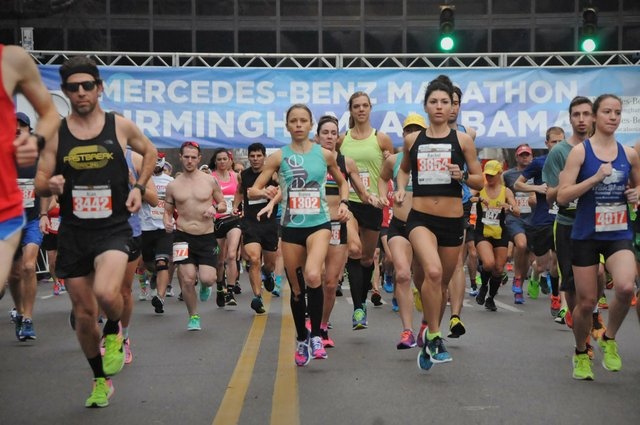 Mercedes-Marathon-2017_starting-line.jpg