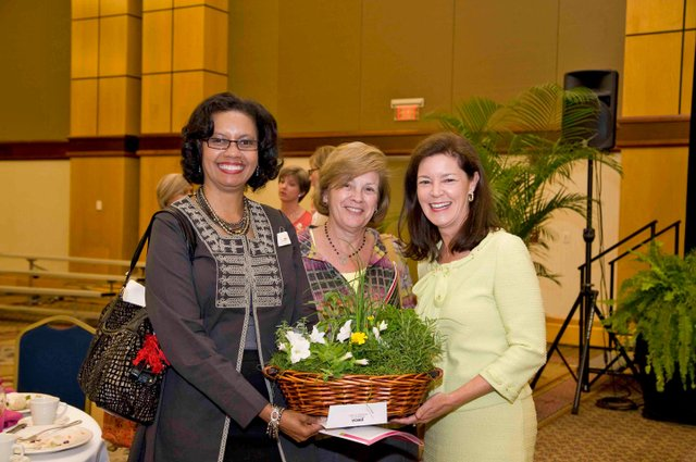 BIZ-YWCA---P&P2011-Yolanda-Sullivan-Gillian-Goodrich-Kathryn-Harbert-left-to-right.jpg