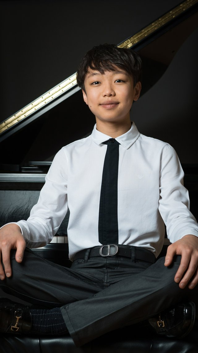Pianist Nathan Lee 2019.jpg