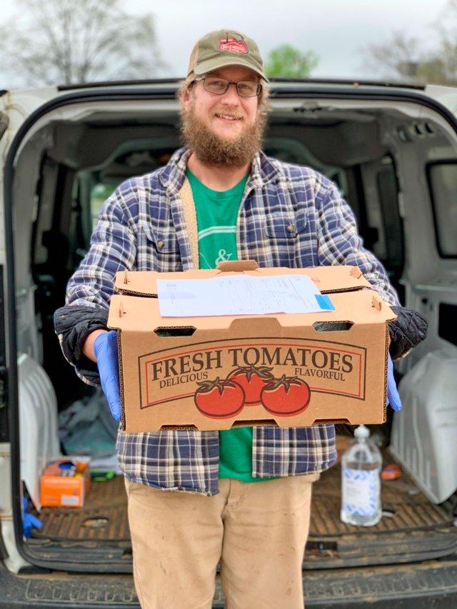 INK-SIPS-Belle-Meadow-Farm-with-fresh-produce-box.jpg